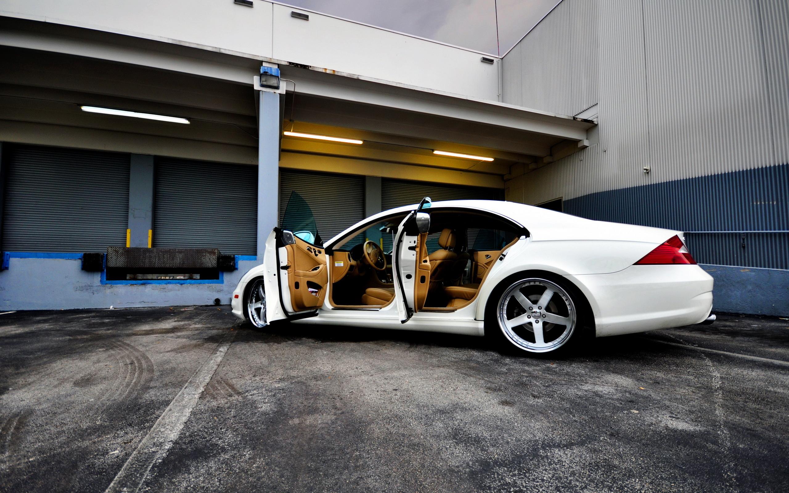 Mercedes-Benz синий гараж скачать