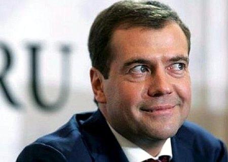 Медведев предложил сделать русский World of Warcraft