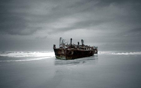На побережье Карского моря в НАО обнаружено судно-призрак