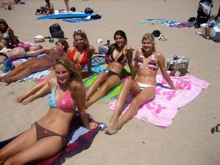 Dевушки на плаже