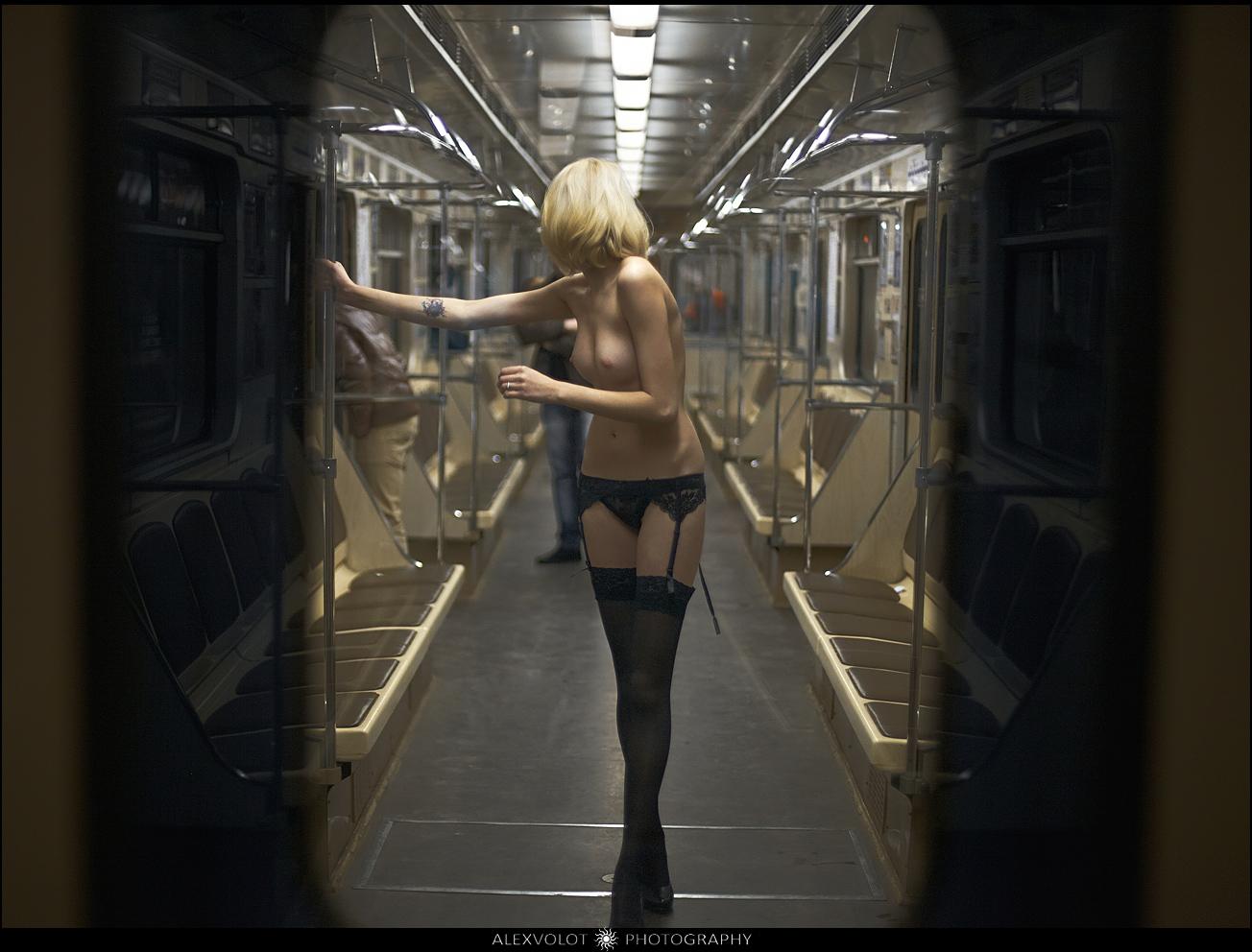 Секс в полном вагоне 11 фотография