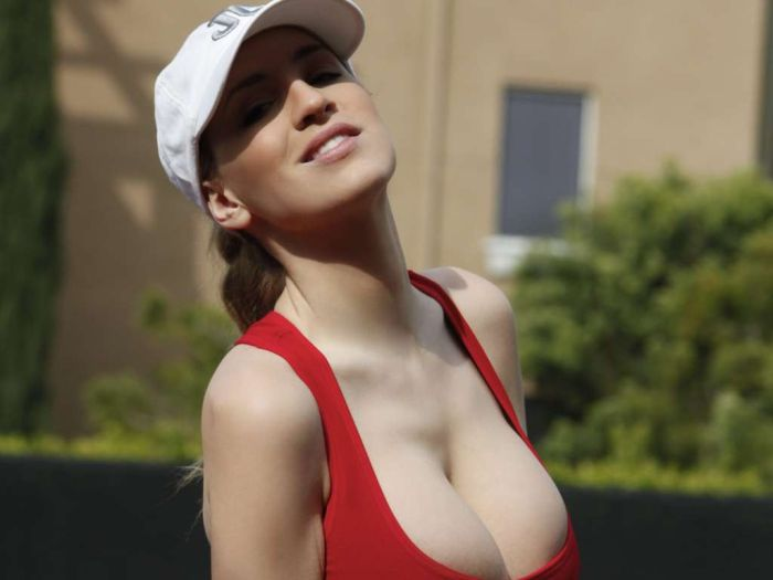 Секс с грудастой девочкой видео