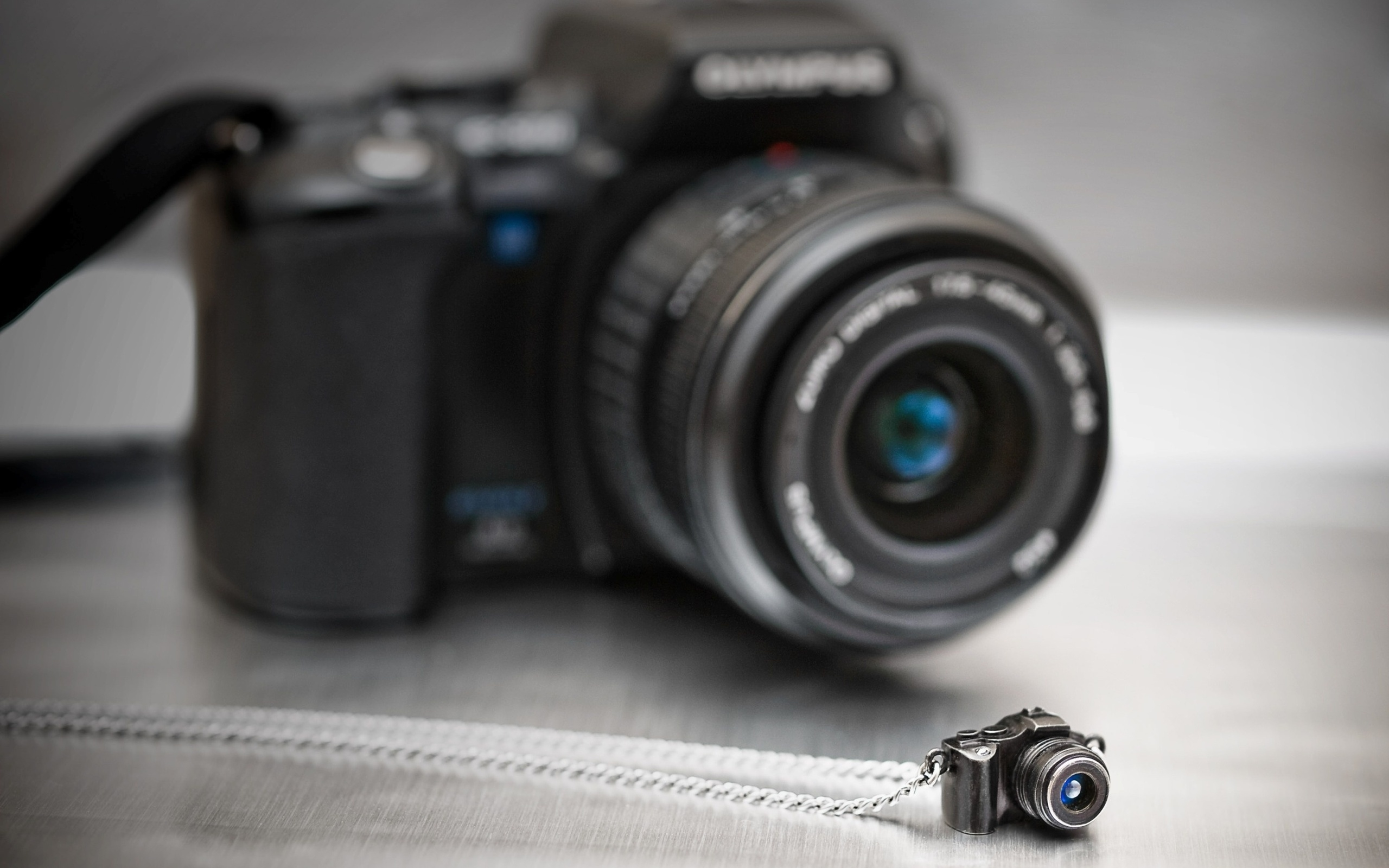Фотоаппарат хайтек Panasonic Lumix скачать