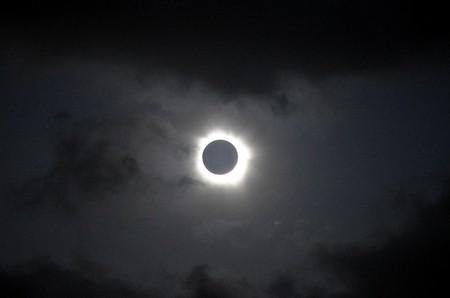 зонд Proba-2 три раза «посмотрел» одно и то же солнечное затмение