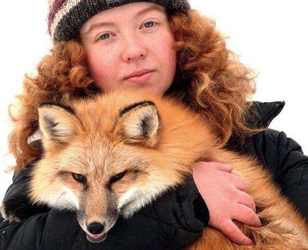 Девушка из Академгородка в Новосибе дрессирует лис