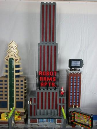 Ручная сборка Футурамы из Лего