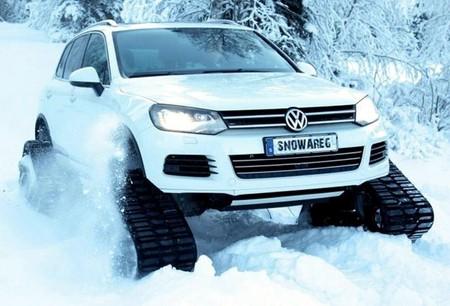 Volkswagen Touareg поставили на гусеницы