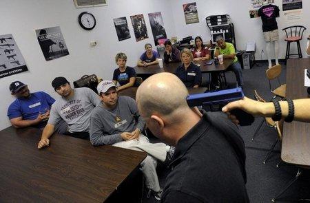 Курсы обращения с огнестрельным оружием для американских учителей