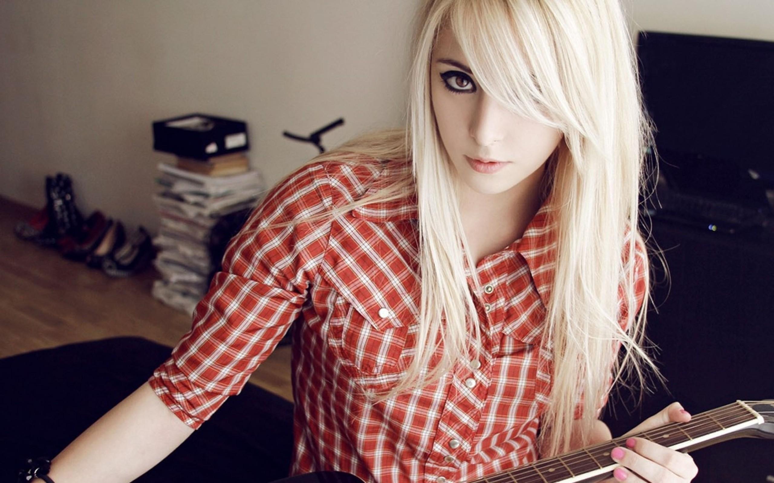 Буккаке с молоденькой блондинкой