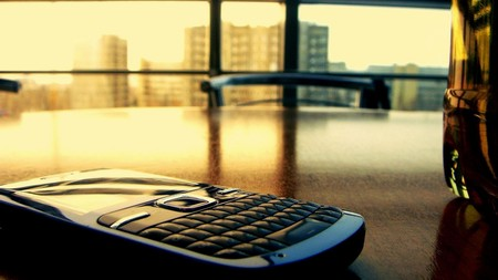 Закон отменяющий «мобильное рабство» вступает в силу 1 декабря 2013