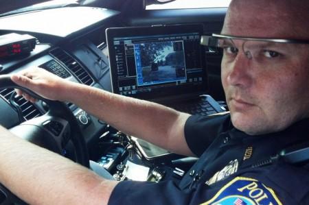 Полиция Дубаи начала использовать Google Glass