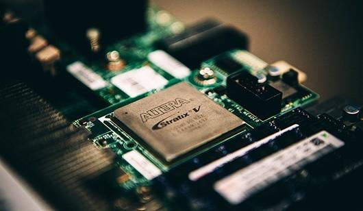 Microsoft переходит на свои процессоры