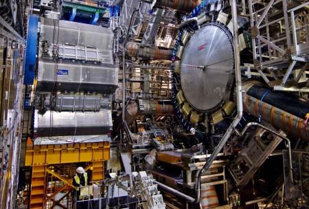 большой адронный коллайдер (фото про его строительство)