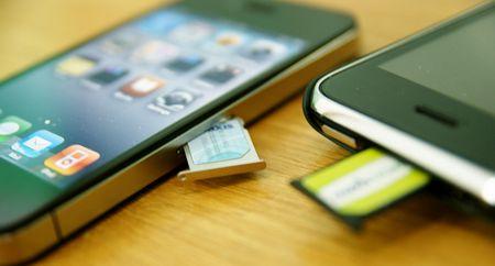 Минкомсвязи решило запретить продажу «залоченных» мобильников