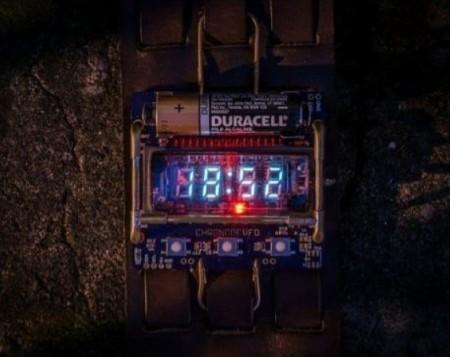 Часы из советского вакуумно-люминесцентного дисплея
