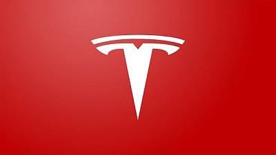 Tesla запустит зарядную станцию со сменой батарей