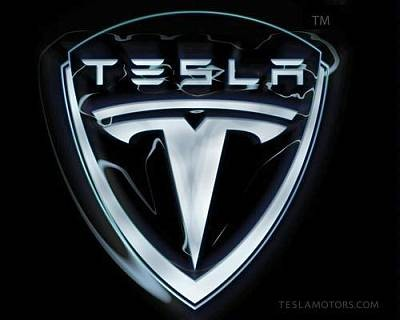 Электромобилем Tesla можно будет управлять без рук