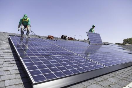 SolarCity строит собственные мини-энергосистемы