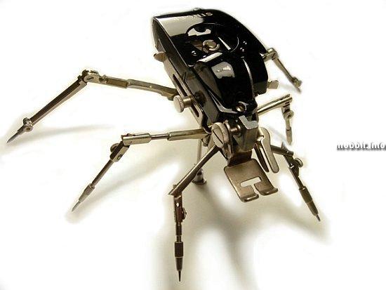 Интересная коллекция роботов и скульптур