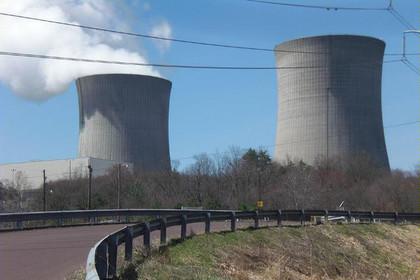 В США после аварии на АЭС нефтепродукты попали в реку Гудзон