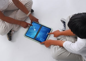 OLPC XO второго поколения с двумя сенсорными экранами