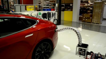 Новая автомобильная зарядка Tesla