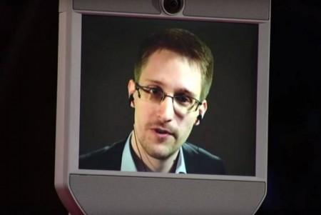 Сноуден рассказал о преграде в поисках внеземных цивилизаций