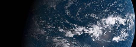 Скрипт для установки обоев с видом на Землю из космоса в реальном времени