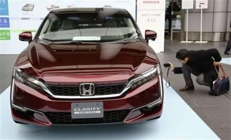 Honda выпустила собственный автомобиль на водородных топливных элементах