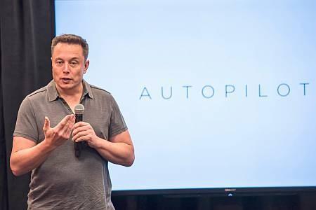 Автономный транспорт от Илона Маска