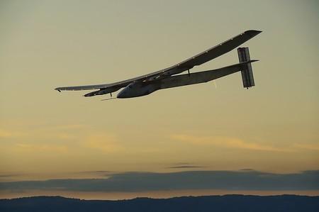 Самолет на солнечных батареях завершил перелет через Атлантику