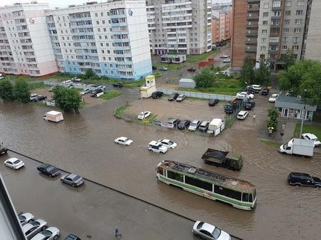 Ливень в Новосбирске разбудил Триподов!