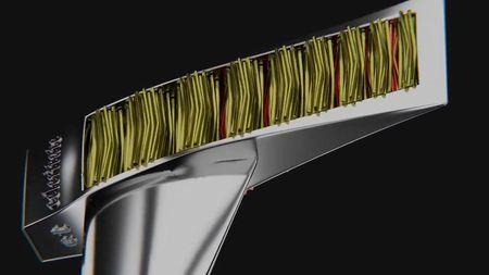 Тяжелый топор с механизмом для раскалывания древесины